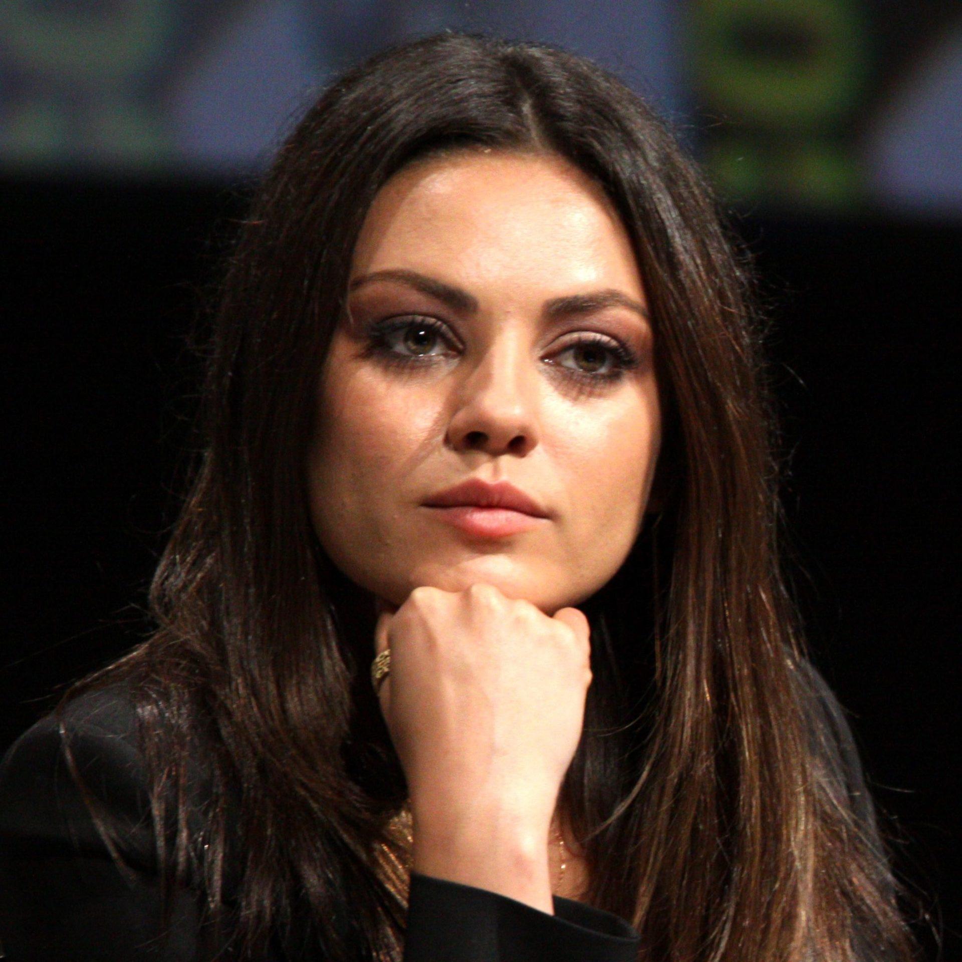 Mila Kunis choosing color for olive skin lifestylemajor edited 1