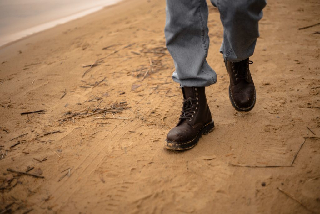 Suede and leather dessert boots to rock lifestyle major