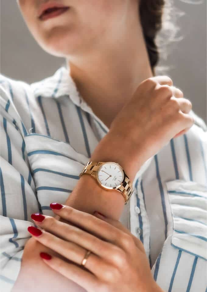 Women Should Wear Watches on the right arm